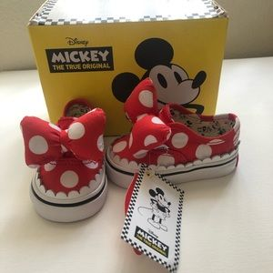Minnie Mouse Baby Vans